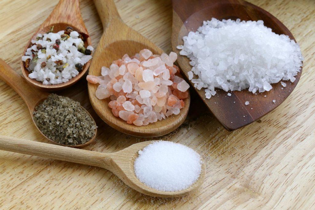 Лечение суставов солью: компрессы, повязки и другие эффективные методы