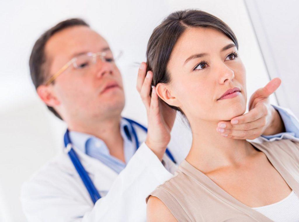 Первичный осмотр при шейном остеохондрозе
