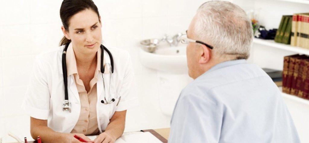 Какой врач лечит подагру: каких специалистов нужно посетить ?