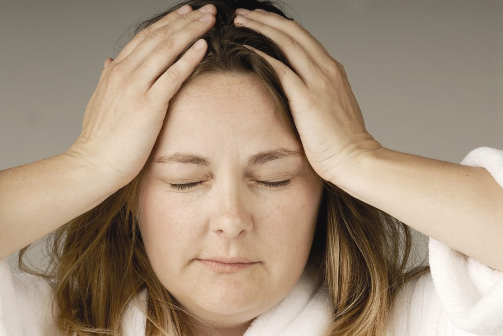 Шум в голове при шейном остеохондрозе: как избавиться от дискомфорта